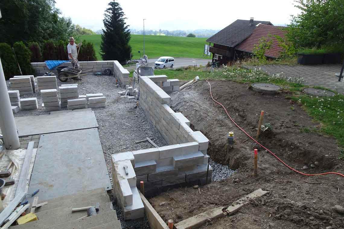 Natursteinmauer erstellen
